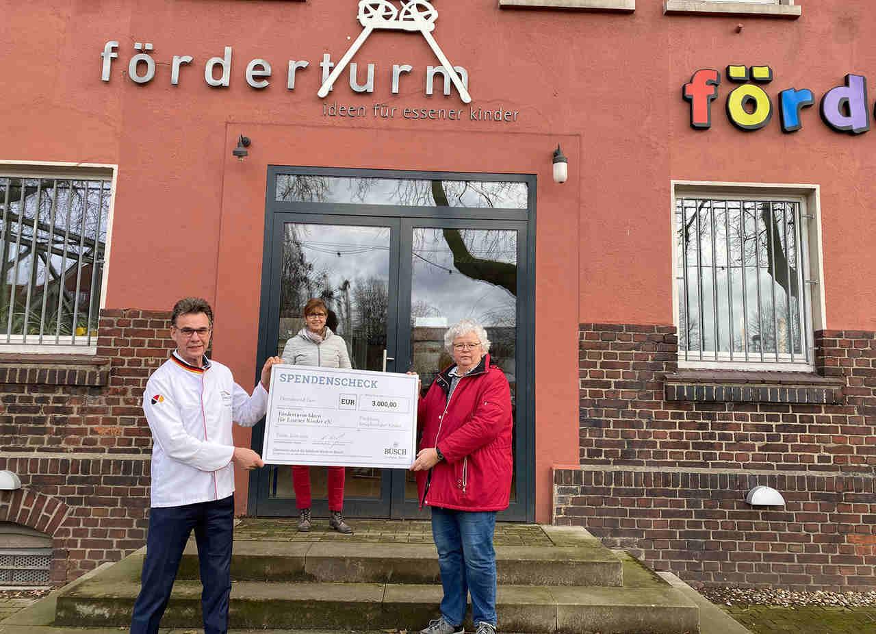 "Büsch Spendenbrot-Aktion unterstützt Essener Verein ""Förderturm"""