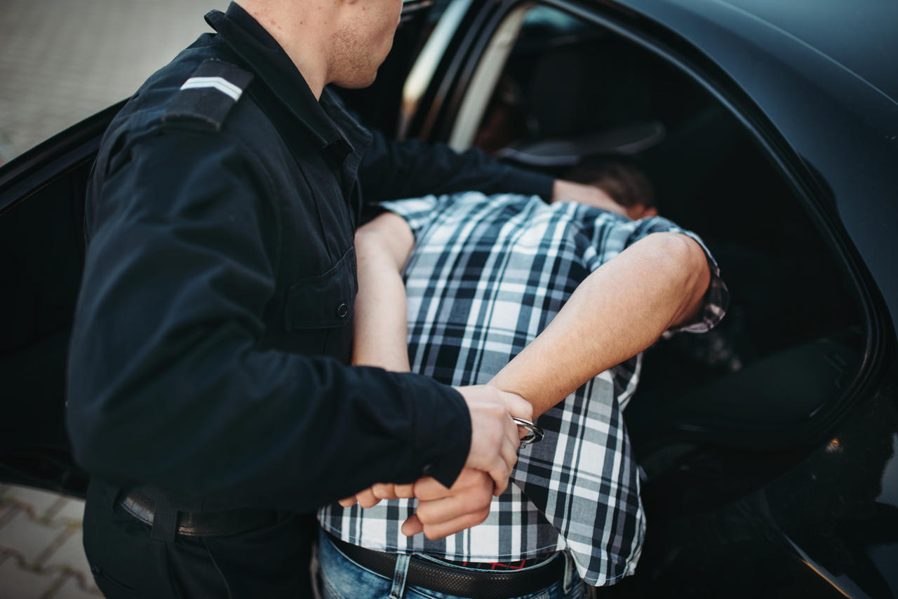 Tätlicher Angriff auf Polizeibeamte
